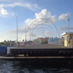Queen Emma Bridge - Ponte Flutuante em Curaçao