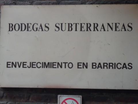 Vinícola Cousiño Macul - Acesso as Bodegas Subterrâneas